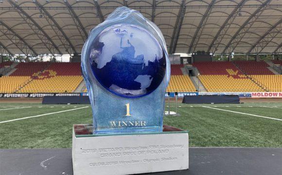 Piękne trofea dla najlepszych we wrocławskiej rundzie SGP
